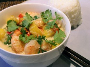 meals like this Thai Prawn Curry with Mango are suitable for your gluten-free guests