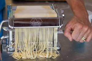 Making spaghetti sm